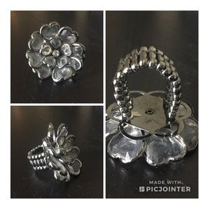 Jewelry - 🛍 Clear Heart Cluster Ring